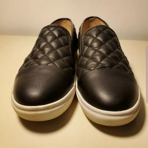 Steve madden quilted shoes